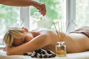 Aromatherapy massage treatment at Massaaži Ekspress Tallinn salon, Estonia